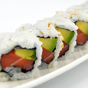 Salmone Avocado Roll